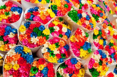 sold small: Piccoli fiori mazzi venduti al Ramblas a Barcellona, ??Spagna. Archivio Fotografico