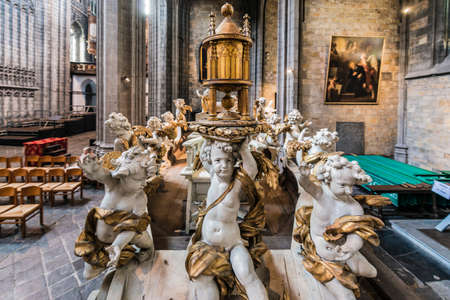 wallonie: MONS, BELGIUM - JUNE 13, 2014: Waltrude's Shrine Procession within The Ducasse de Mons (Doudou) celebrations, recognized as one of the Masterpieces of the Oral and Intangible Heritage of Humanity.