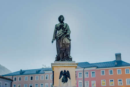 mozart: Mozart statue located on Mozart Square (Mozartplatz) in Salzburg, Austria