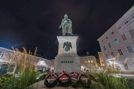 mozart: Mozart statue on Mozart Square (Mozartplatz) located in Salzburg, Austria Editorial