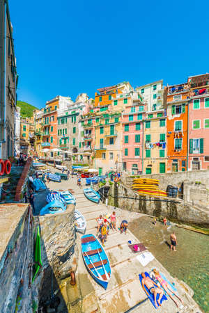 RIOMAGGIORE, IT - JUNE 26, 2016: within Cinque Terre in Liguria Region, Northern Italy. Reklamní fotografie - 104985854