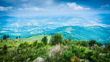 Alrededores de Foix en Ariège, Midi Pyrénées, Francia. Foto de archivo