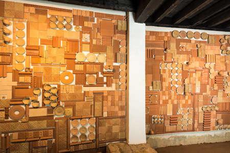 SEVILLA, ES - 7 DE MARZO DE 2017: Centro Ceramica Triana es un museo creado en 2014 para preservar y promover la tradición cerámica de la ciudad de Sevilla en Andalucía, España.