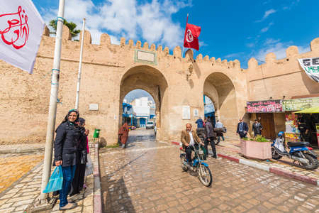 KAIROUAN, TN - MARCH 16, 2017: Kairouan is a UNESCO World Heritage site, founded by the Umayyads around 670 in Tunisia. Редакционное