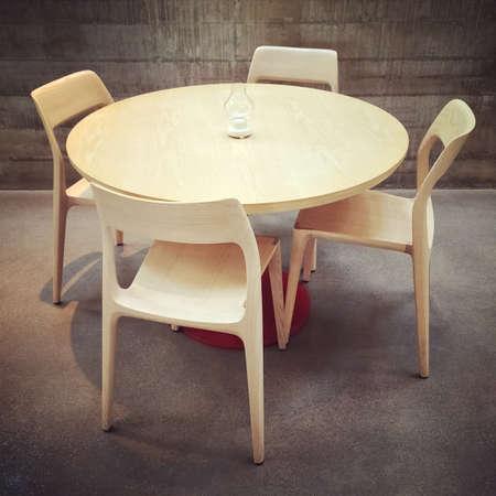 Mesa De Madera Y Sillas De Comedor, De Diseño Moderno. Fotos ...