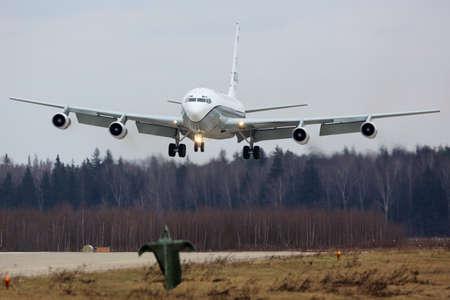 cielos abiertos: KUBINKA, MOSCOW REGION, RUSSIA - APRIL 10, 2017:  OC-135W 61-2670 of United States air force (Open Skies) landing at Kubinka air force base. Editorial