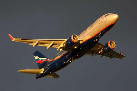 Sheremetyevo, Moscow Region, Russia - July 31, 2015: Aeroflot Airbus A320 VQ-BPU takes off at Sheremetyevo international airport. Redakční