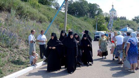 """am 15. Juni 201, Stadt Krasnousolsk, Bashkortostan.Each des 9. Freitag nach Pascha ist religi�se Prozession mit der Ikone der Mutter Gottes statt """"?????"""" mit tiefen Zeit und ist immer noch wie am ersten Tag der Manifestation von???? gefeiert? Symbole.??"""
