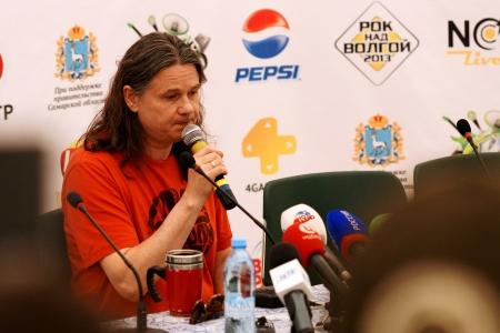 """8. Juni in Samara Gastgeber der f�nften Festival """"Rock auf der Wolga"""", die sich zu den gr��ten Rock-Festival in Europe.This Jahr der Headliner ist die deutsche Band Rammstein.Except sie wurden von der Gruppe gemacht hat: """"Mordor"""", """"Semantic Halluzinationen """","""" Bi-2 """","""" Chizh & C"""