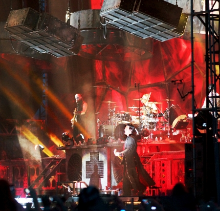 8 June in Samara hosted the fifth festival \'Rock on the Volga\',which has become the largest rock festival in Europe.This year the headliner is the German band Rammstein.Except it were made by the group:\'Mordor\', \'Semantic Hallucinations\',\'Bi-2\',\'
