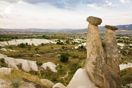 phallic: las formaciones de roca famosas f�licos en Capapdocia, Turqu�a