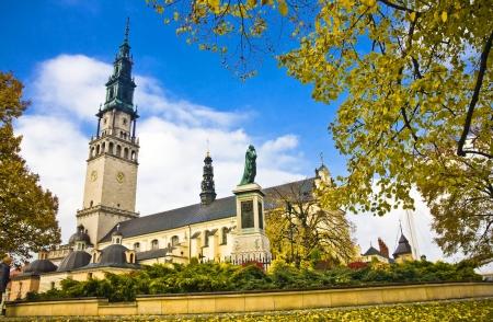 arrepentimiento: El santuario de Jasna Gora en Czestochowa, Polonia, es uno de los lugares m�s populares en pilgrimary Polonia