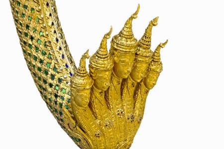 Esculturas de figuras mitológicas antigas da Tailândia no fundo branco