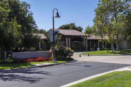 ronald reagan: Simi Valley, California - June 8, 2013 : Entrance to the Ronald Reagan Presidential Library, Simi Valley, CA.