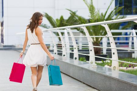 Stylish woman shopping in the city Archivio Fotografico
