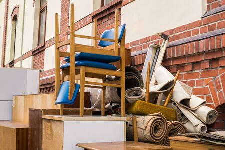 Clearing out bulky waste