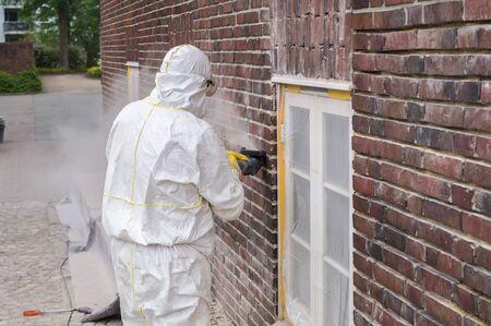 Craftsman flexing wall
