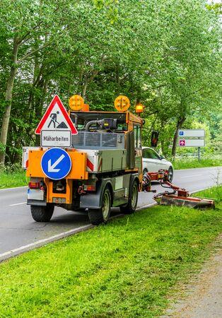 Attention mowing roadside