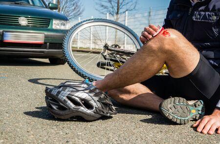 Bicycle accident injury knee Фото со стока
