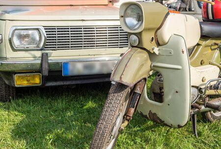 DDR Oldtimer Moped mit Oldtimer