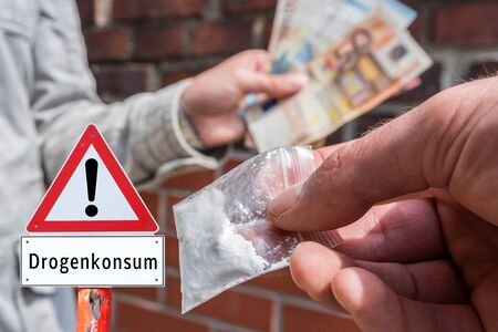 Attention sign drug use in german