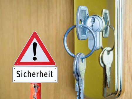 Warning sign security key in german
