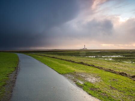 Storms in the salt marshes of the North Sea