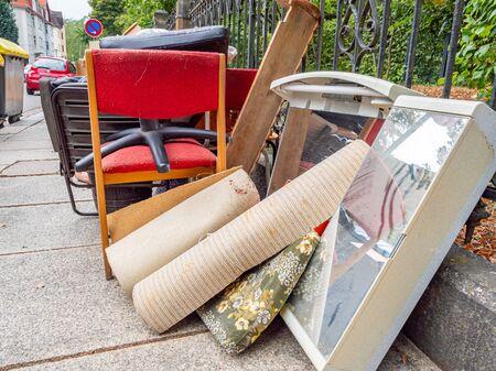 Collecte des déchets encombrants à résolution plate Banque d'images