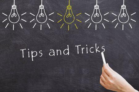Tipps und Tricks Worttafel mit Glühbirnen