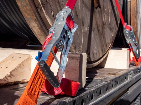 Securing truck lashing strap for transport