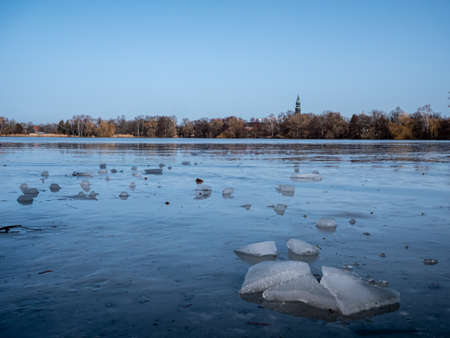 Beware of the risk of ice breaking on the lake 免版税图像