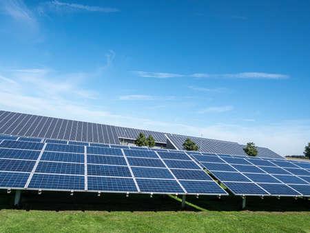 Solar park photovoltaic system for alternative energy 免版税图像