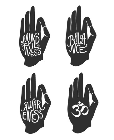 Mindfulness. Balans. Bewustzijn. Set van vier vectorillustraties met een hand in pose Jnana of Chin mudra en belettering geïsoleerd op een witte achtergrond.