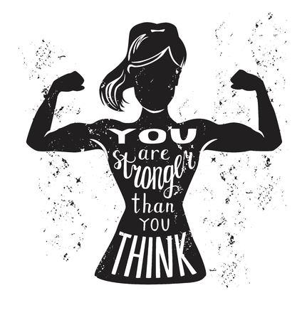 Ilustración vectorial con figura femenina y letras en blanco y negro. Frase escrita a mano Eres más fuerte de lo que crees. Diseño de tipografía con silueta aislada de mujer delgada con curl de bíceps. Foto de archivo - 86387514