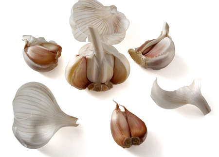 husks: Garlic with husks isolate