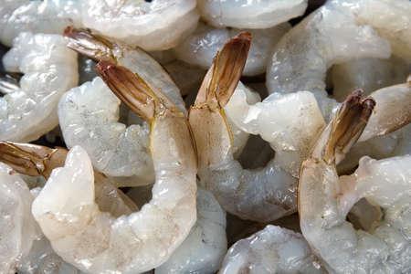 grosses crevettes crues décortiquées, macro