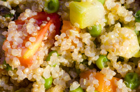 macro of quinoa salad with tomatoes and vegetables as food Zdjęcie Seryjne