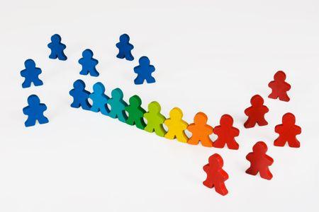 discriminacion: Asimilación o el cambio social - Social y conceptos de negocio ilustrado con colores de madera de personas.