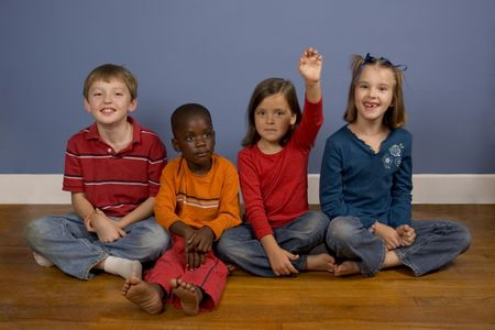 racisme: Een reeks beelden waarin kinderen van verschillende achtergronden. Stockfoto