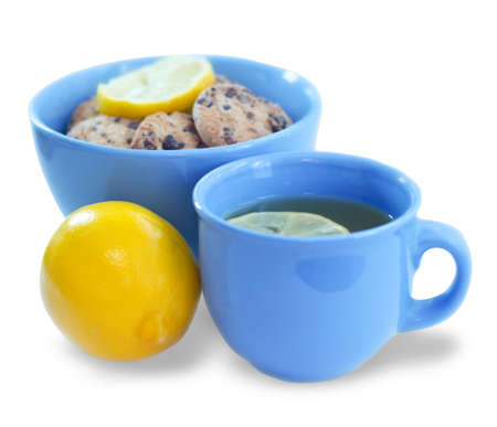 spicecake: Lemon, tea and spice-cake in blue cups