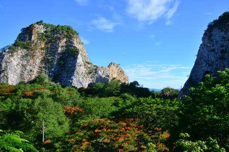 ratchaburi: Khao Ngoo Rock Park    Ratchaburi Thailand