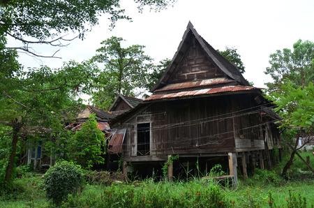 Abandoned house Thai Style at Nonthaburi Thailand photo