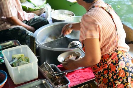 klong: Cooking Thai Noodle restaurant at Klong Lat Mayom Canal Floating Market at Bangkok Thailand Stock Photo