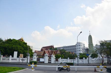 bangkok temple: Wat Ratchaburana Ratchaworawihan at Bangkok Temple