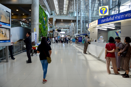 suvarnabhumi: Thai people and foreiner traveller wait and walk at Suvarnabhumi Airport Station on November 17, 2015 in Bangkok, Thailand.