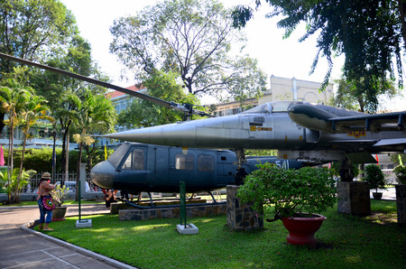blackhawk helicopter: Ancient Helicopter army for show at front of Ho Chi Minh City Museum on January 22, 2016 in Ho Chi Minh, Vietnam