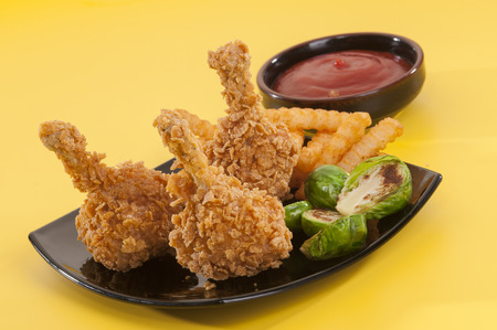dipping: Fried chicken with side dishes