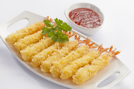 Tempura Jumbo Shrimps with salad and salsa dip on white plate and white background Imagens - 90374014