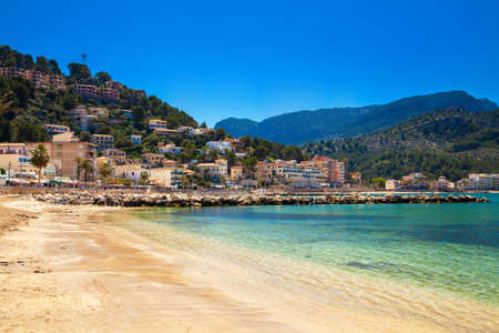 holiday house: beautiful view of the Port de Soller beach with Sierra de Tramuntana mountains in the distance, Majorca, Spain