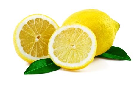 레몬: 흰색에 고립 된 잎 신선한 레몬 스톡 사진